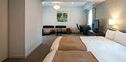 ファミリールーム(1001号室) 写真01 サムネイル