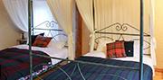 天蓋ダブル2ベッド 写真01 サムネイル